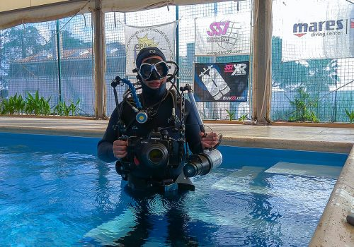 Alex Ribeiro Diving underwater rig pool test